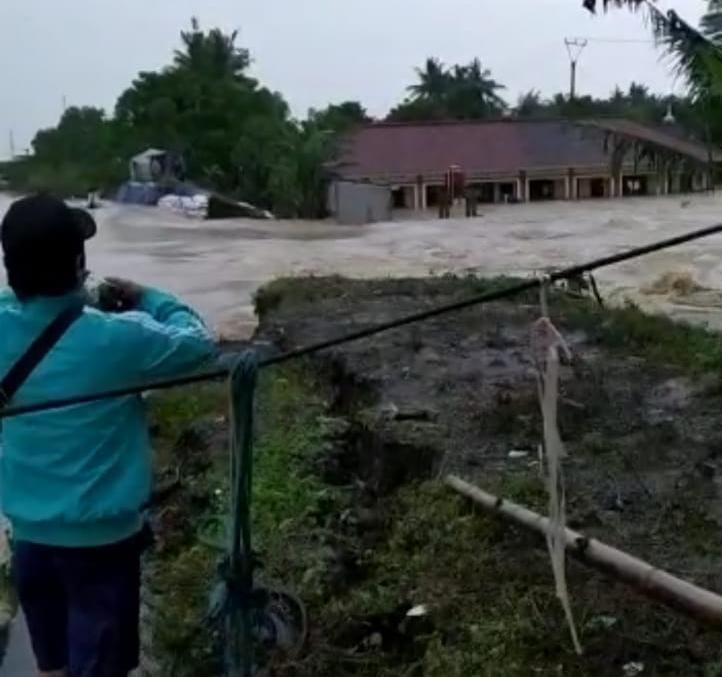 Tanggul Kali Citarum Kampung Babakan Jebol, Ribuan Warga Butuh Bantuan