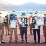 Wali Kota Bekasi Terima Penghargaan Top Pembina BUMD Di Apel Pagi